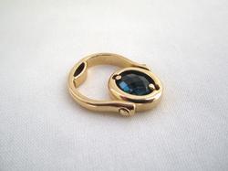 Bague or & topaze bleue