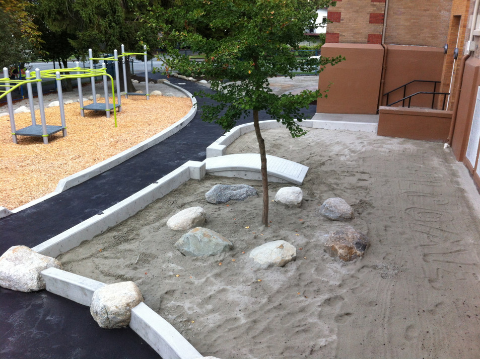 Hastings Elementary school playground design Client: Vancouver School District& Parent Advisory Council. Part of the landscapedesign as Project Manager for Jonathan Losee Ltd.