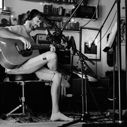 Caduceus Studio Jonas solo