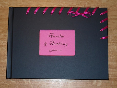 Livre d'or mariage rose fuchsia et noir