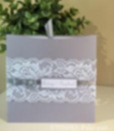 Faire-part-mariage-pochette-grise-dentelle blanche
