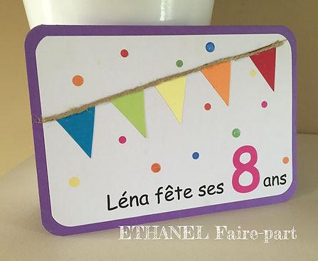 Carte d'invitation anniversaire à souffler: gâteau en 3 dimensions et sa vrai bougie a souffler, rose pastel, vert anis et ivoire.