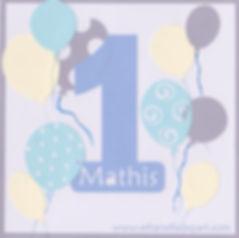Carte d'invitation anniversaire 1an Mathis: ballons, gris, ivoire et bleus.