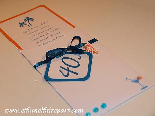 Carte d'invitation anniversaire: thème plage, cocktail,  palmierset tong.