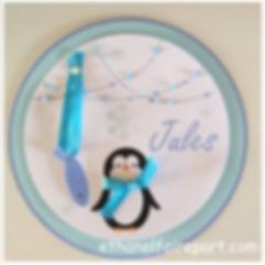 Faire-part naissance Pingouin: thème hivers, banquise et flocons pour ce petit pingouin et son poisson, bleu et blanc.