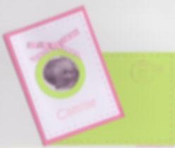 Faire-part naissance ou baptême Vichy: médaillon avec photo sur carte  rose, vert anis et blanc.
