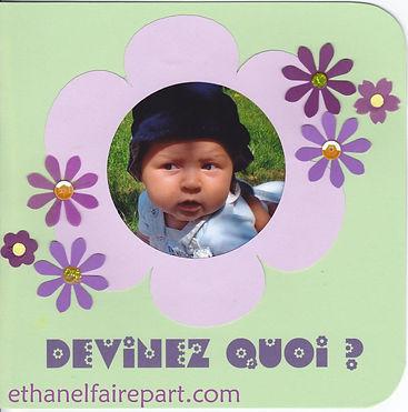 Faire-part baptême Fleurie: photo et fleur parme et violettes sur carte vert clair.