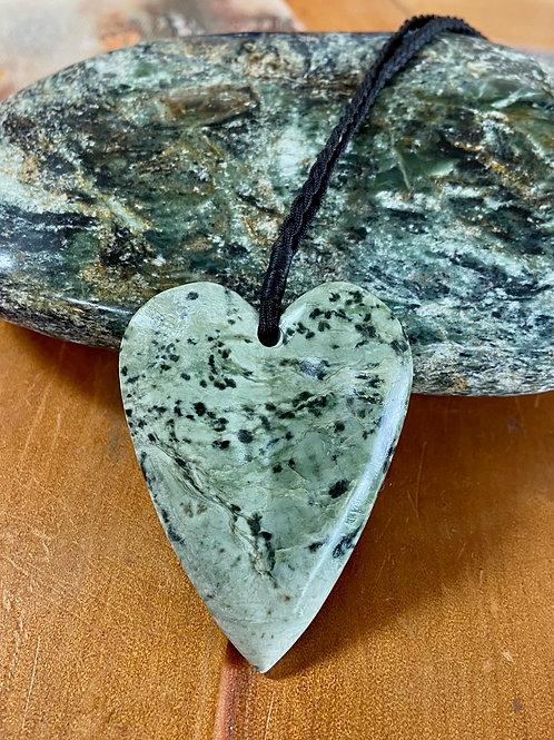 Kokopu Pounamu Heart