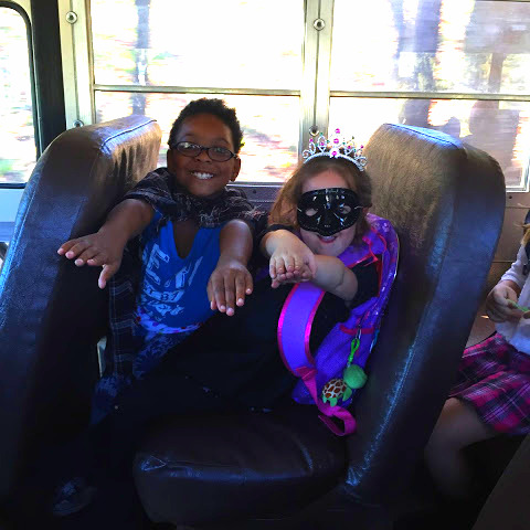 Super Heroines on the Bus!