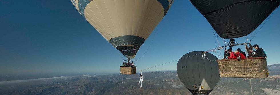 Flying Frenchies, The Balloon Highline - Sébastien Montaz-Rosset