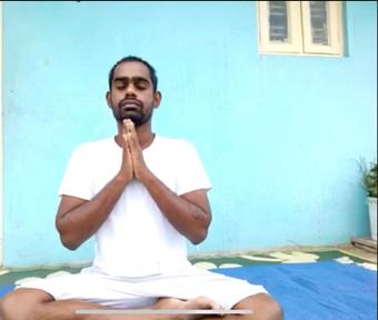 南インドのリアルタイム 『 シヴァナンダヨーガ』  ♪オンラインレッスン♪