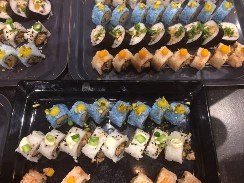 Blue vegan sushi.jpg
