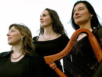 Peregrina 1 mit Harfe.jpg