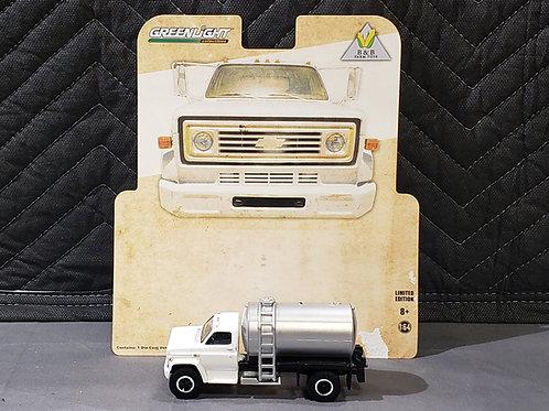1/64 1984 Chevy Fertilizer Truck White Cab