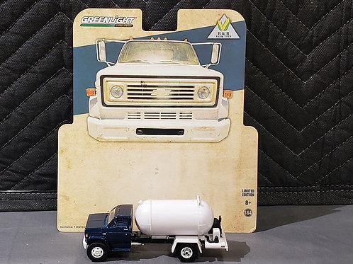 1/64 1984 Chevy Propane Truck Blue Cab