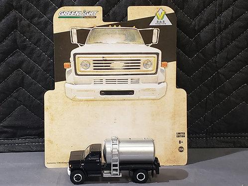 1/64 1984 Chevy Fertilizer Truck Black Cab
