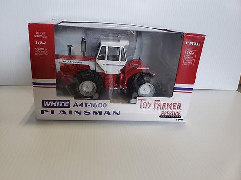 1/32 White Plainsman A4T-1600 Toy Farmer