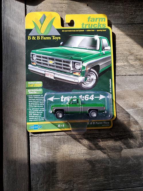 1/64 1978 Chevy K10 Silverado Green and Silver Auto World