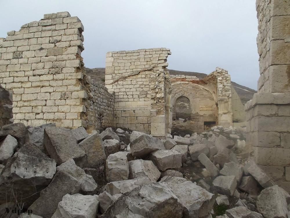 Iglesia en ruinas en Mota del Marqués