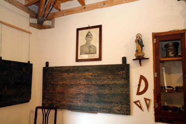Museo de la Escuela de Ayer de Roturas