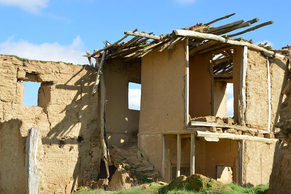 Pueblo abandonado de Villacreces en Tierra de Campos (Valladolid)