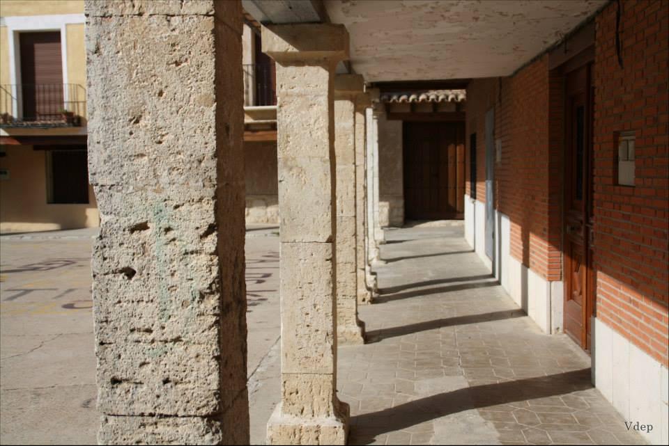 Plaza Mayor porticada de Tiedra