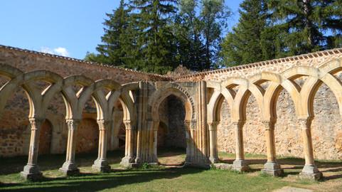 11 increíbles monasterios en ruinas de Castilla y León que necesitas conocer