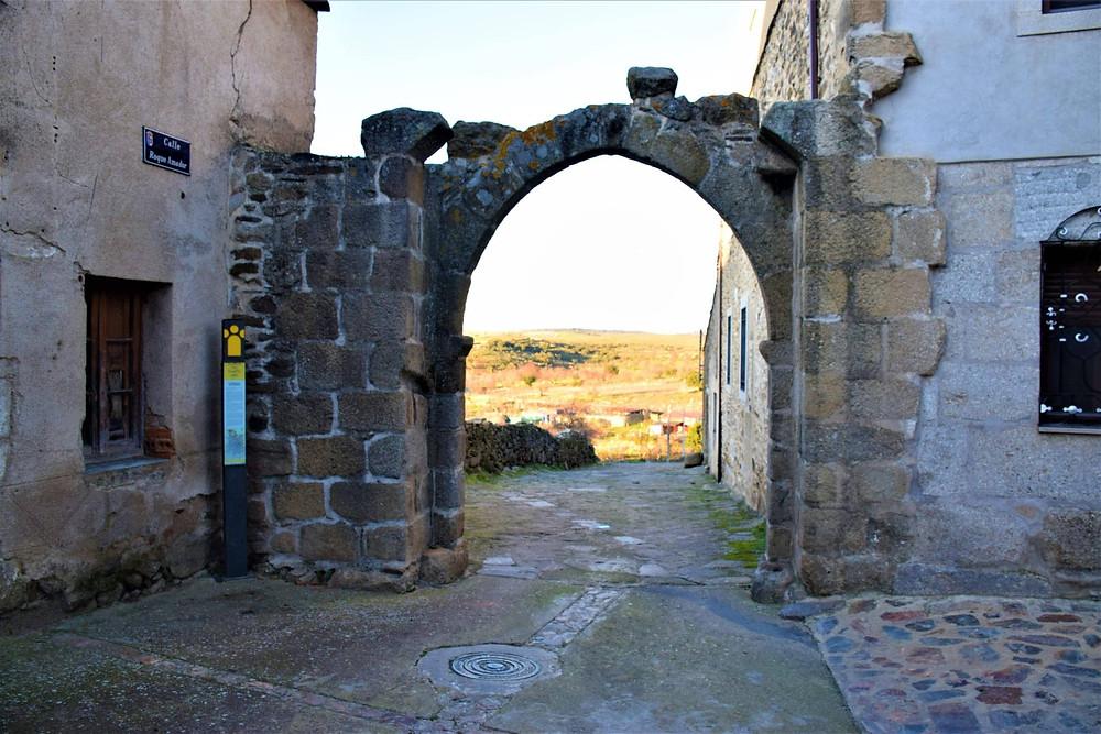 Arco del Puerto de San Felices