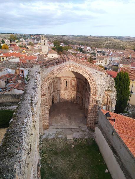 Iglesia en ruinas de Cuéllar