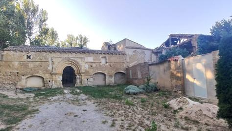 Nogal de las Huertas, la ruina que esconde uno de los templos románicos más antiguos de España