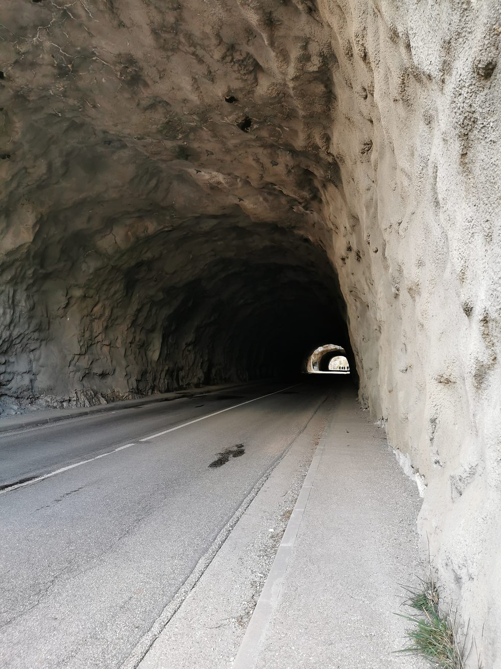Túneles de la carretera del Desfiladero de la Yecla