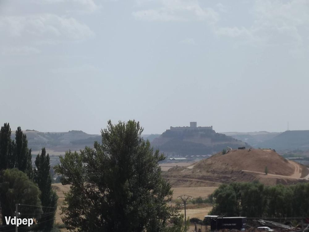 Vista del Castillo de Peñafiel desde Curiel de Duero