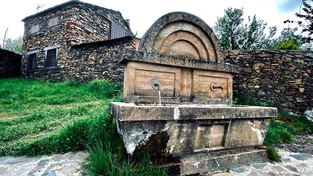 Fuente de Serracín