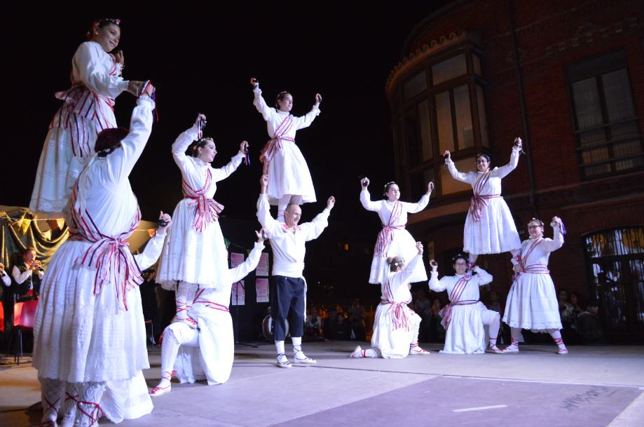 Danza de la Espadaña del folklore de Valladolid