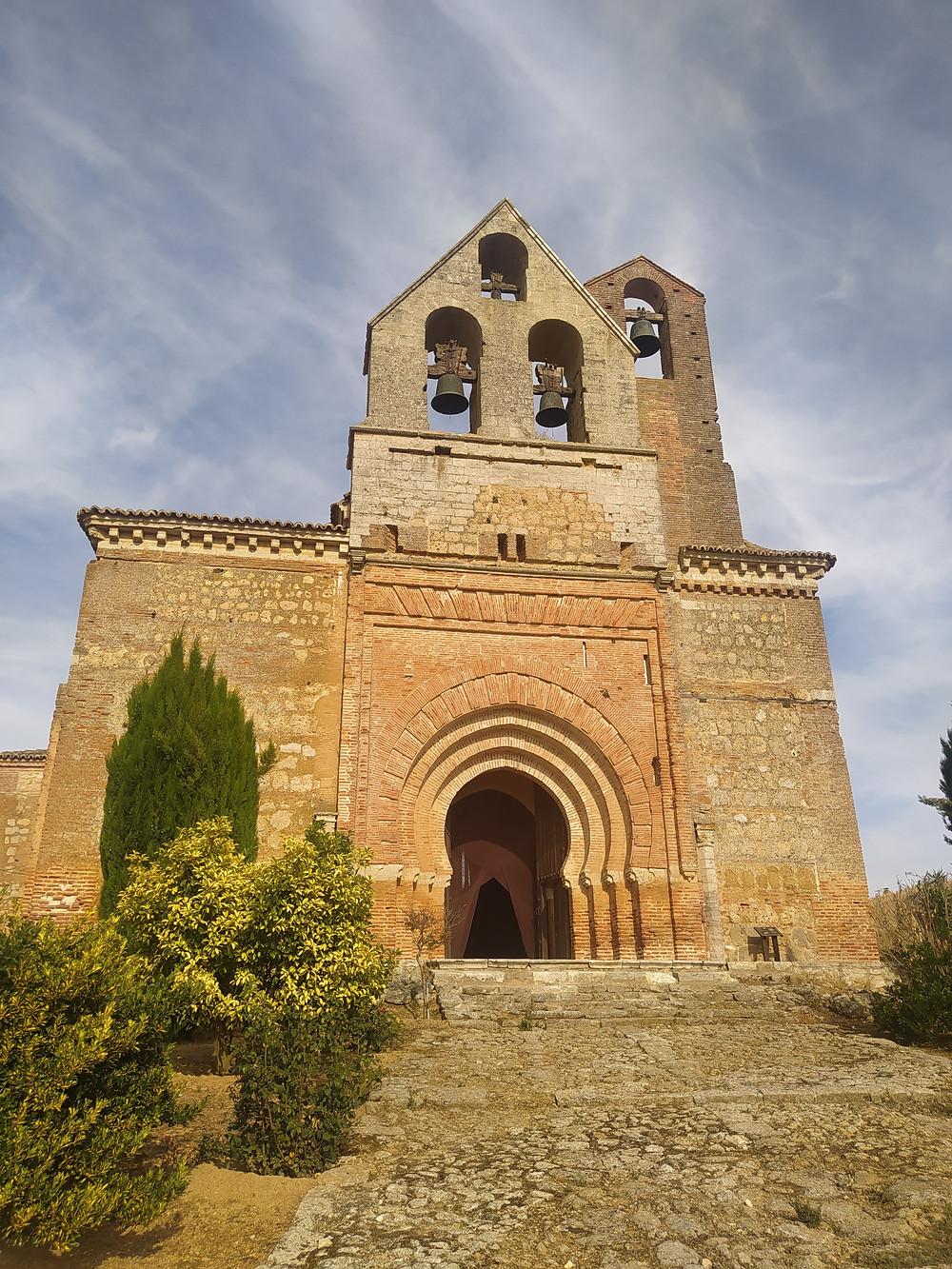 Iglesia de San Andrés de Aguilar de Campos.jpg