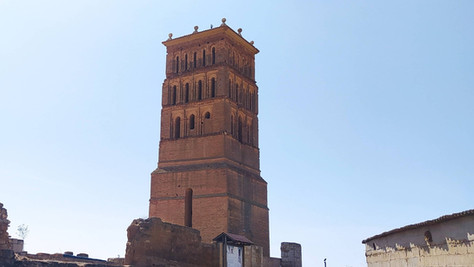 """La torre de San Pelayo de Villavicencio, un """"faro"""" en el mar de campos"""