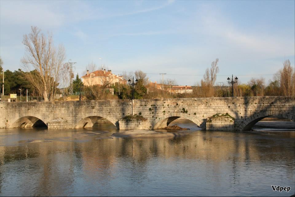 Puente sobre el río Cega de Mojados
