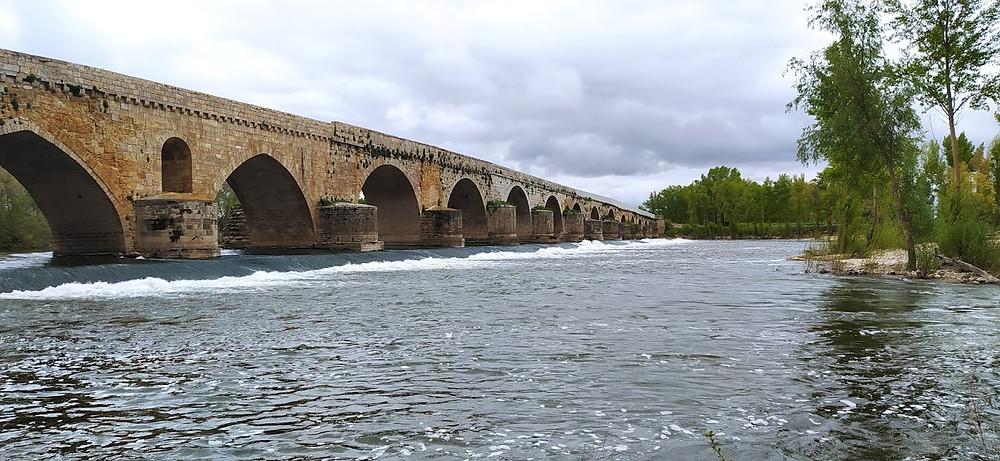 Puente del siglo XII de Toro