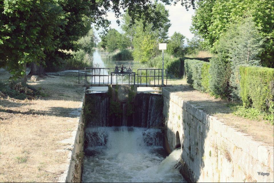 Esclusa del Canal de Castilla en Corcos del Valle