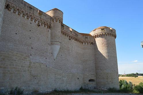 Castillo muro Arévalo.jpg