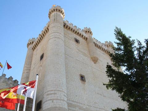La luna de miel de los Reyes Católicos en el castillo de Fuensaldaña