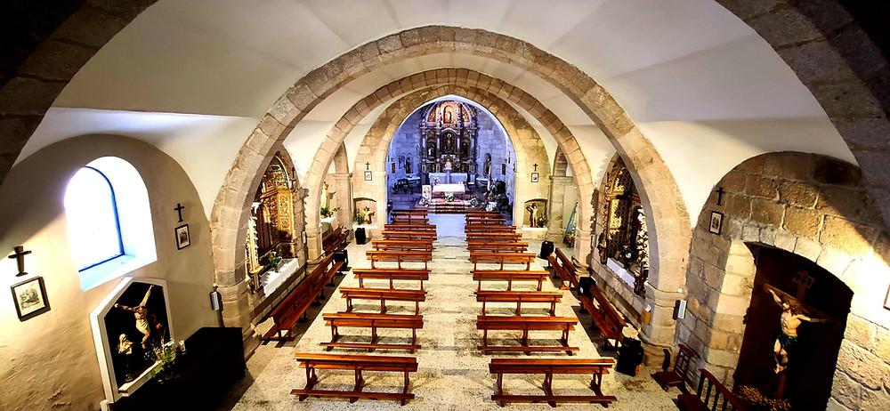 Interior de la iglesia de Aldea del Obispo