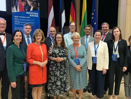 Weibliche Diplomatie am 29.9. um 11 Uhr im Fürstensaal des Rathauses Lüneburg