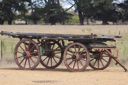 Medium heavy horse Tabletop Hay Wagon