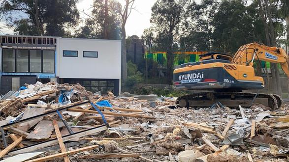 Multi unit demolition in Ringwood