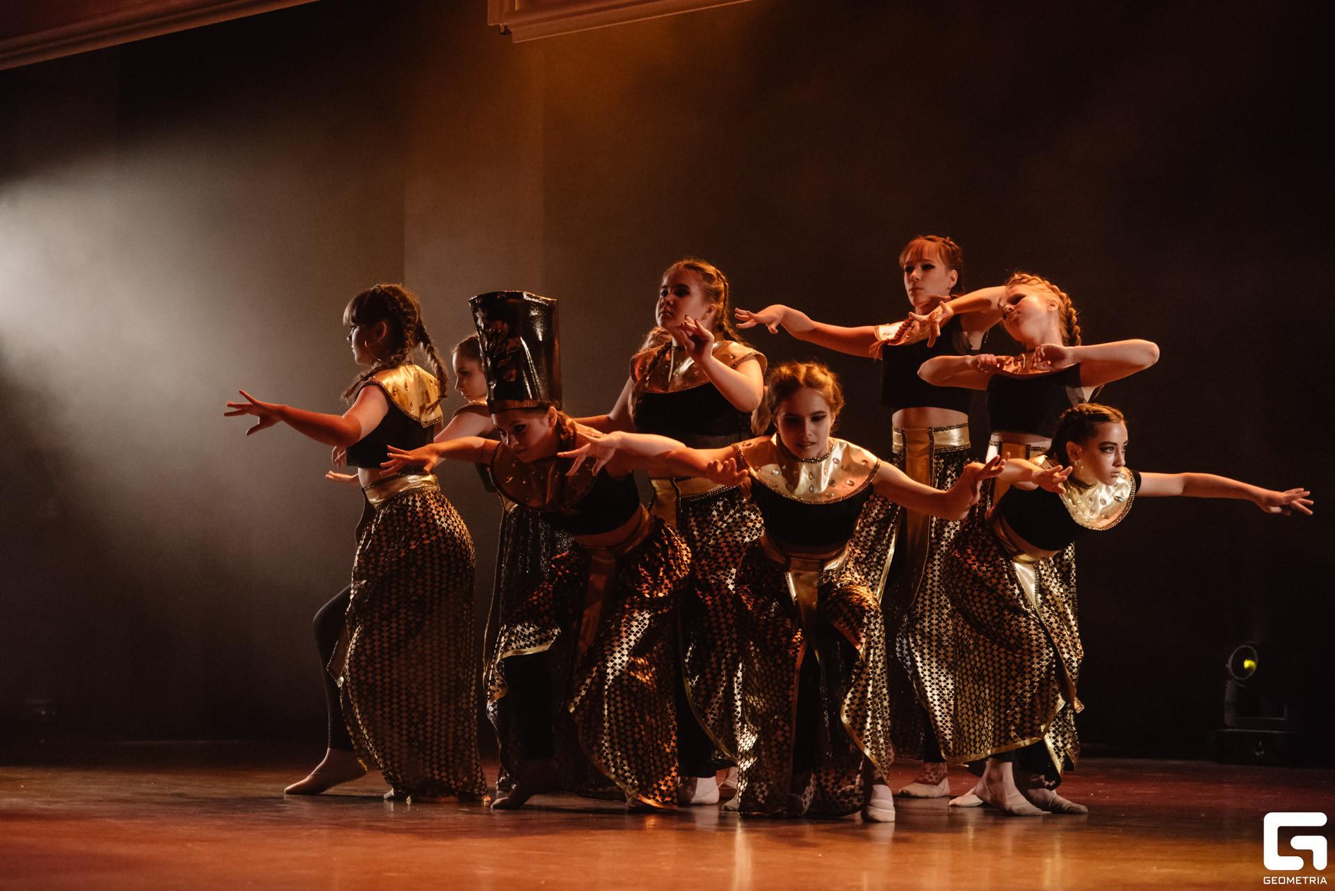 Восточные танцы продолжающие