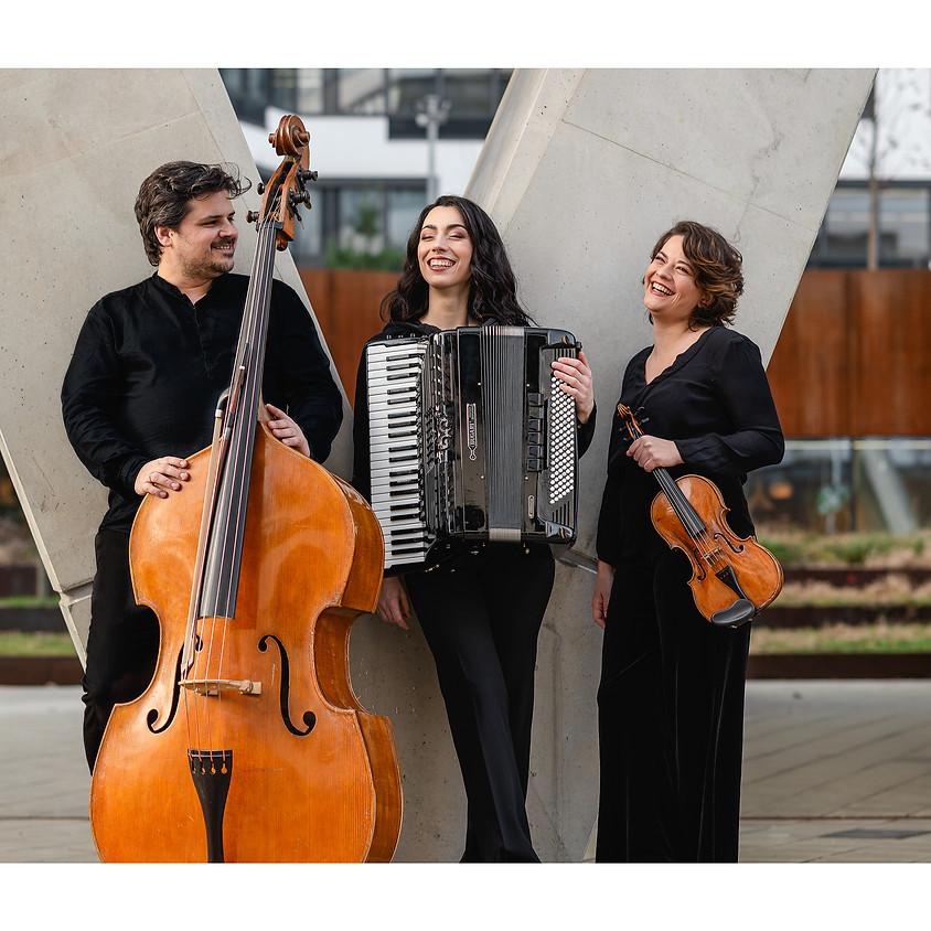 Essenz Trio
