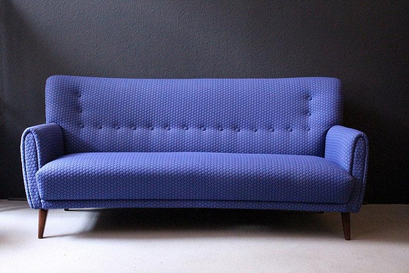 mid-century sofa | dreisitzer | blueberry