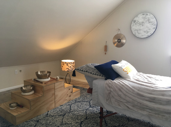 massage table and bowls.JPG