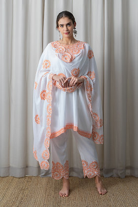 White Muslin Phiran with Peach Aari Embroidery